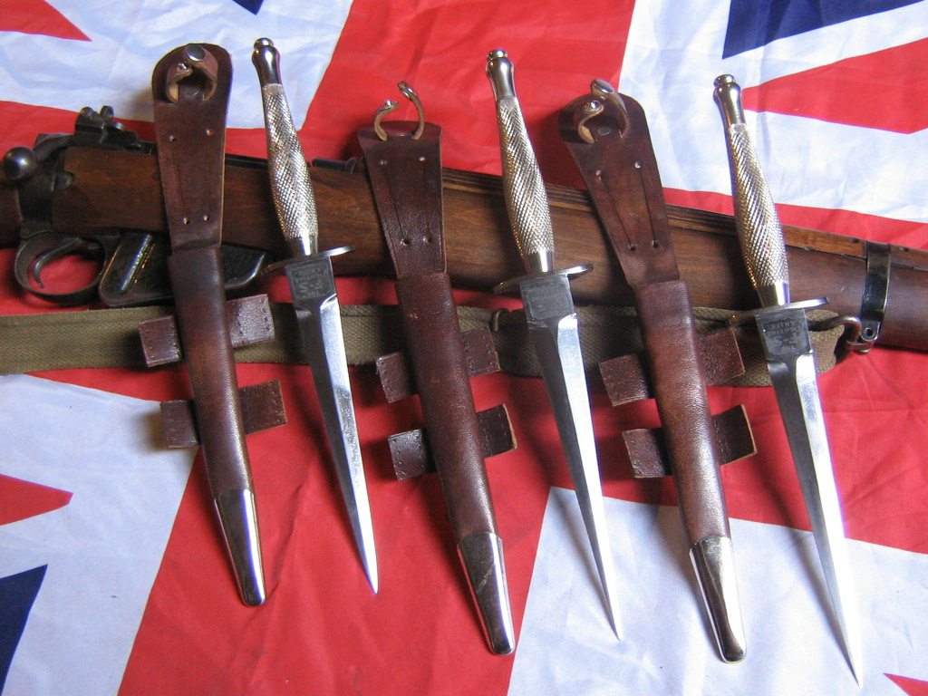 British WW2, 3rd Pattern Commando Fairbairn Sykes FS Fighting Knife With  no. 3 Mould